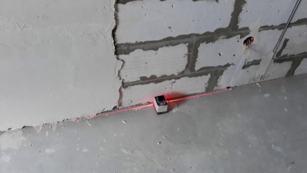 замеры стены при выравнивании